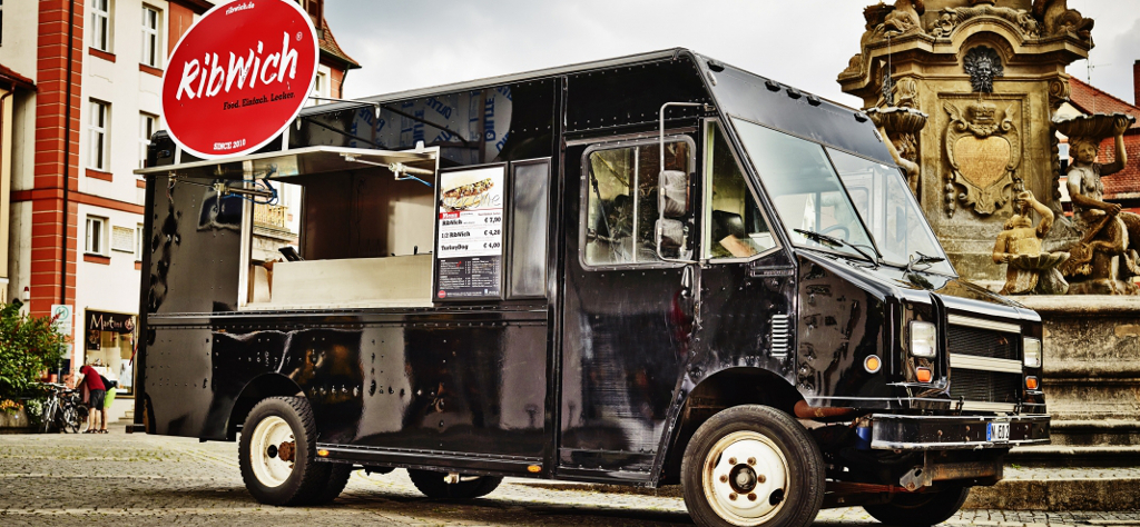 ribwich-food-truck-w2I0JFamIiMs72